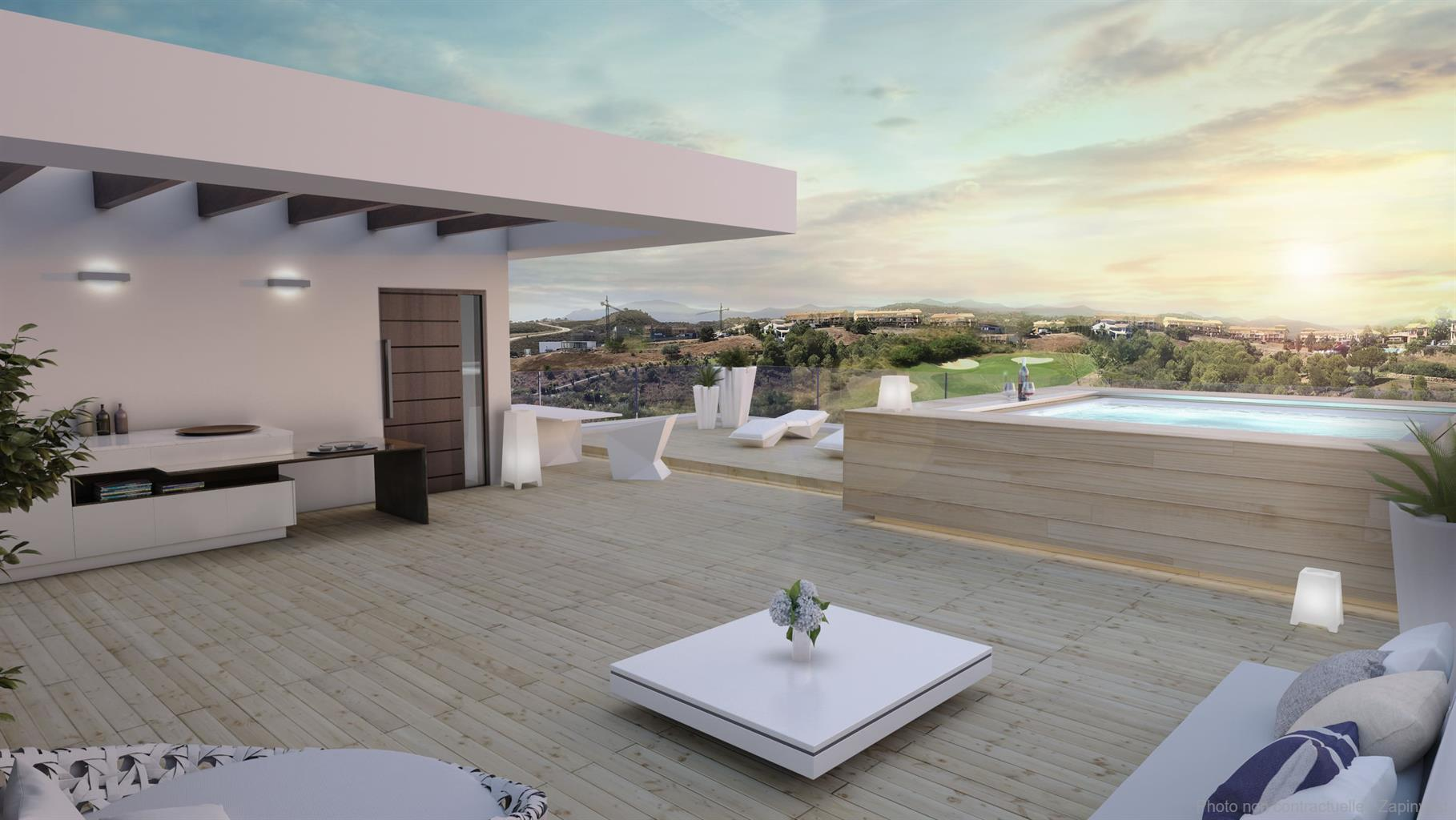 Luxueuse villa avec piscine et jacuzzi privés et première ligne Golf à Estepona