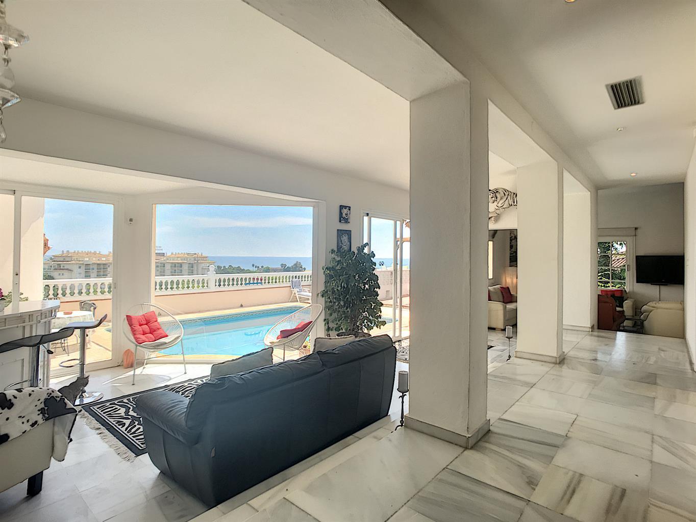 Ravissante villa sur une parcelle de 1250m2 avec une vue panoramique mer !