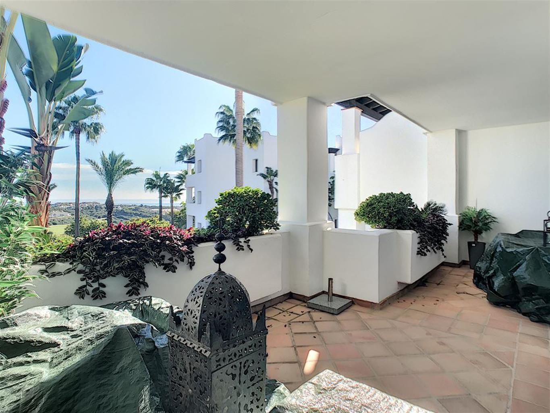 Appartement de deux chambres, dans une résidence moderne et luxueuse, avec piscine commune, jardins, à quelques minutes du port de la Duquesa, plages avec drapeau bleu, etc