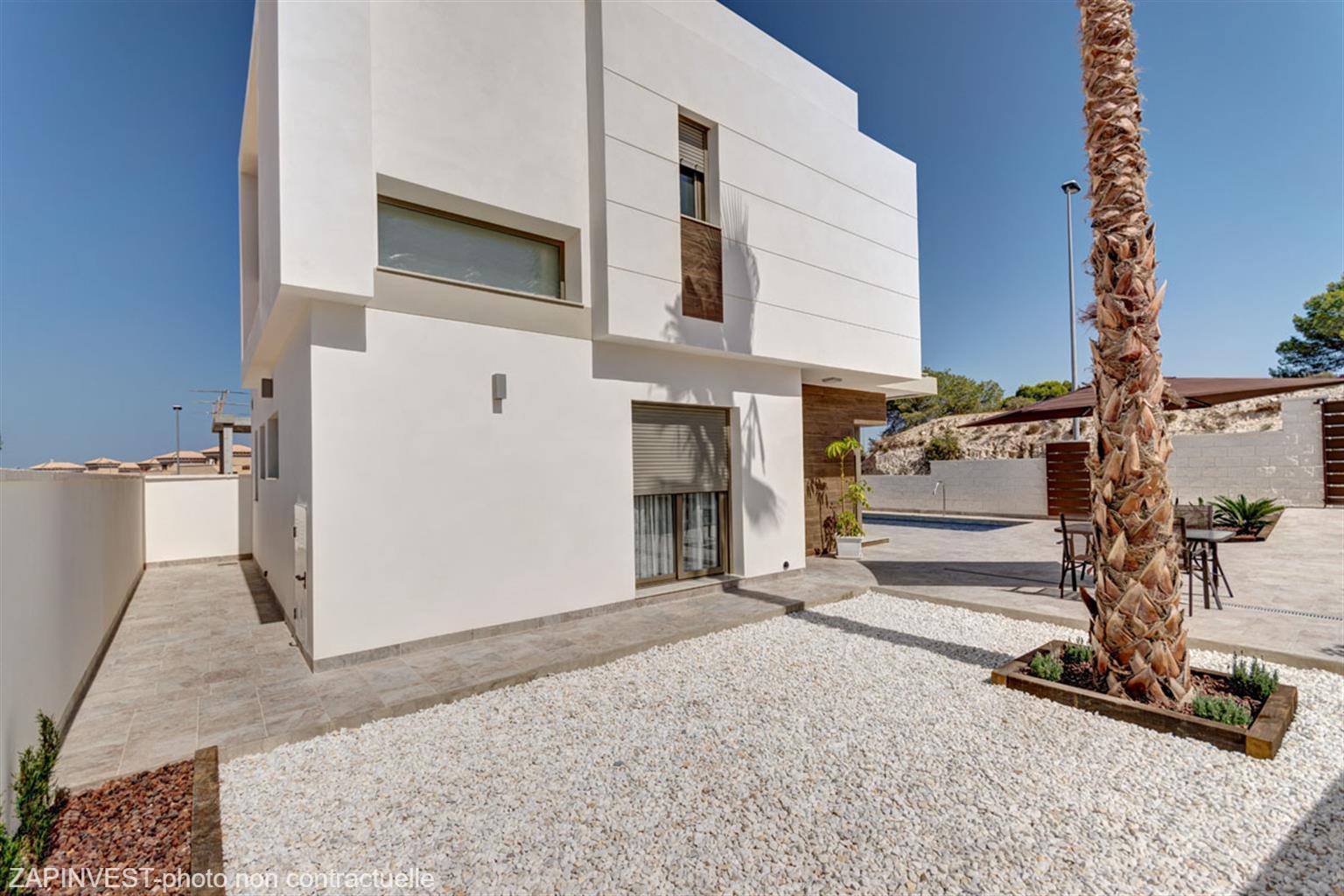 Villa de 3 chambres avec piscine et  vue sur mer et sur les salines.
