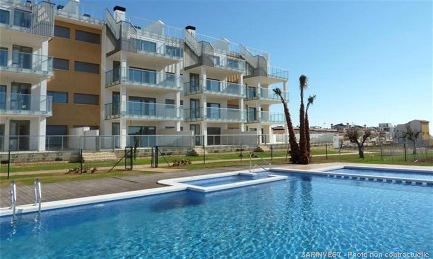 Bel appartement de 2 chambres et 2 salles de bains à Villamartin  Ses points forts: à 5 minutes de a plage de la Zenia, du centre commercial la Zenia Boulevard et du Golf de Villamartin, sa localisation est idéale.